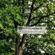 250-autobahnen-im-vorgarten